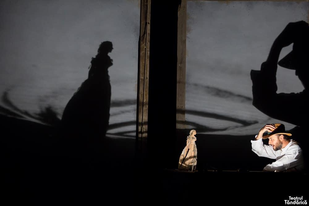 Doamna de la Porto Pim 6