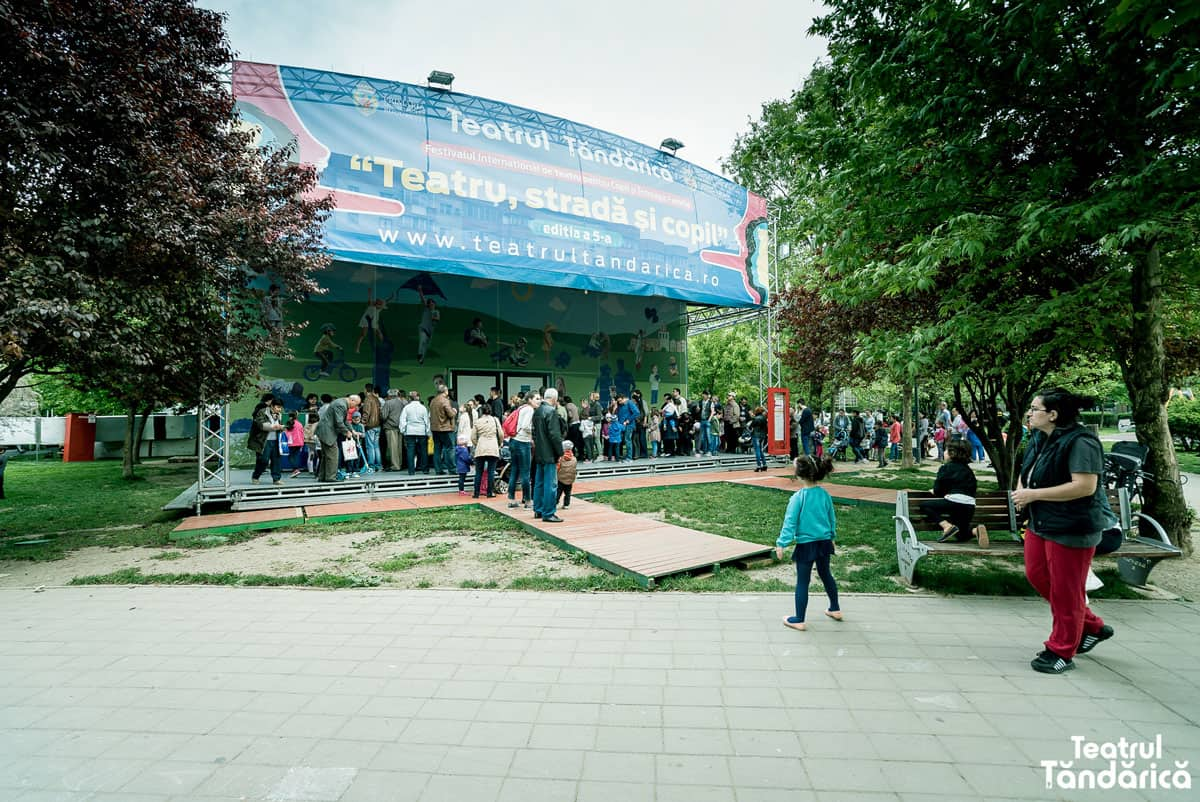 Teatrul Itinerant Tandarica 12